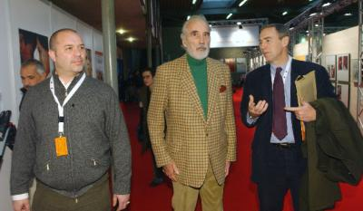 Christopher Lee, il produttore Christopher Figg (<i>Greyfiars Bobby</i>) e Luc Toutounghi